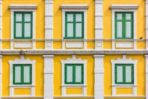 elewacja sztukateria okienna